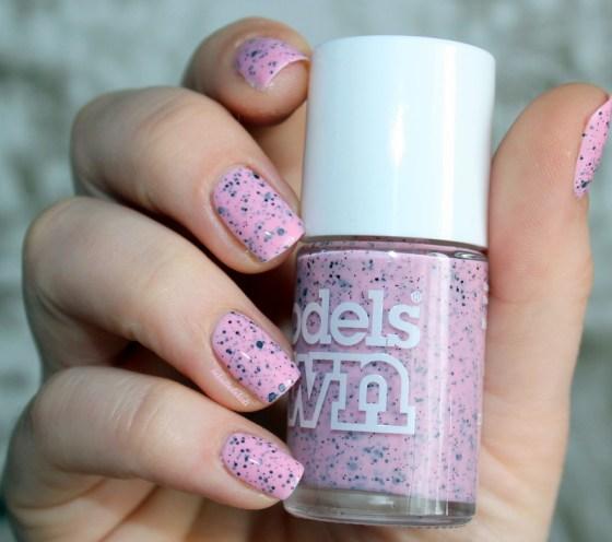 modelsown-speckledeggs