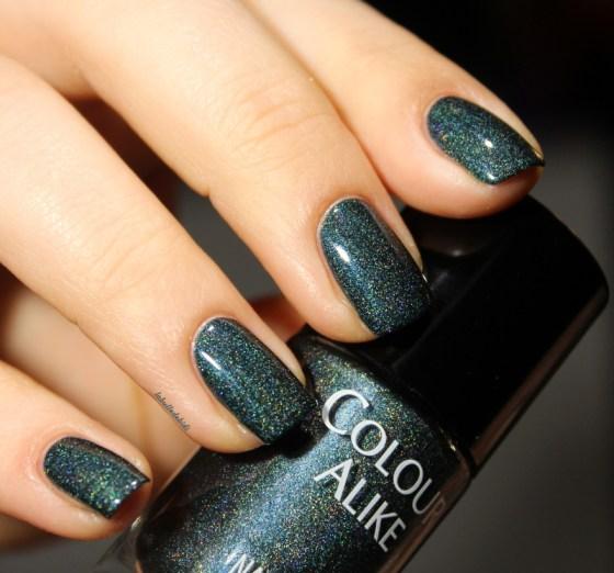 colouralike-colouralike501-christmasnailart (9)