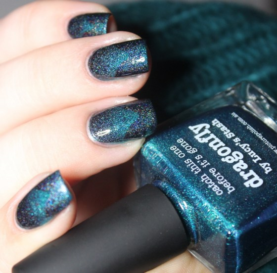 dragonfly-picture polish-scaled gradient-rainbow in space (9)
