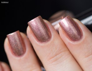 Cirque Colors-sparkled-himalayan pink-in natural light_13 (5)