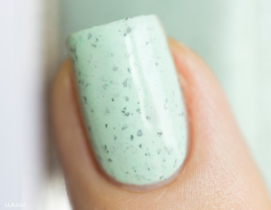 cirque colors-specked&sparkled-mint chip_5