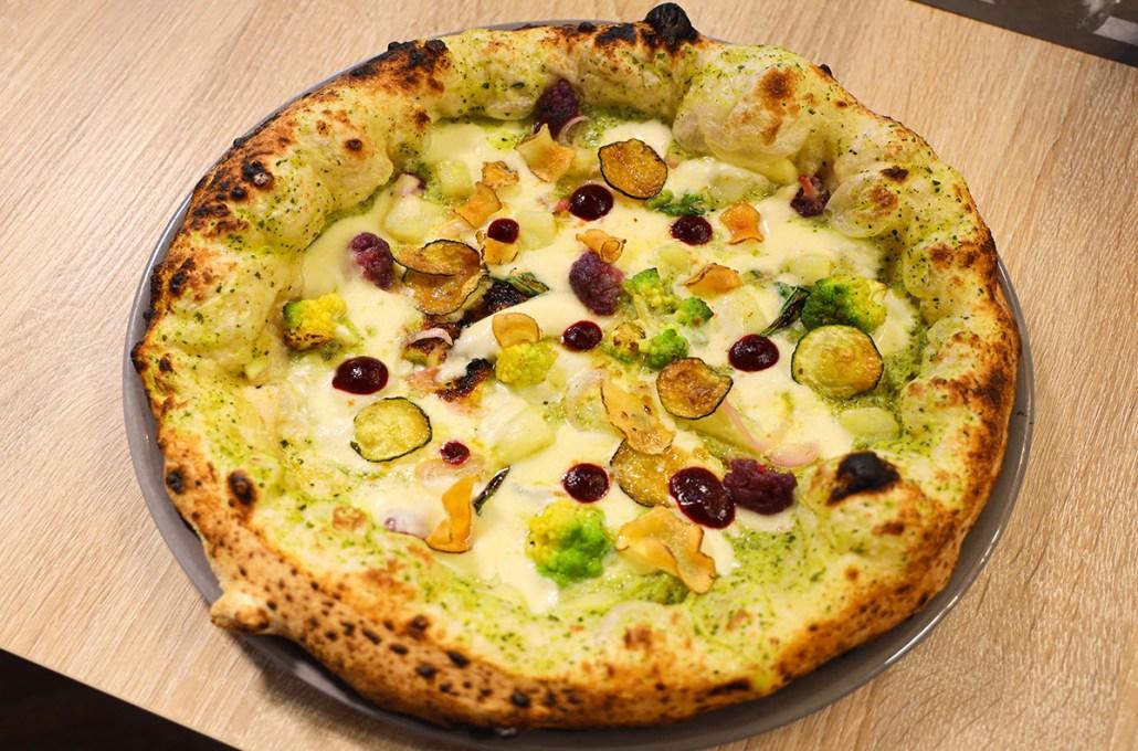 """Giovanni Senese pizza """"Orto sinergico"""""""