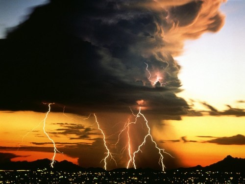 small resolution of when dr david rust and his team sent a probe into the anvil of a thunder head they had a big surprise current theory says that the upper levels of a