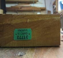 Derecha madera corte radial (patas)
