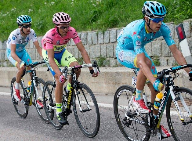 Los tres protagonistas de un drama que no fue: (der-izq) Mikel Landa, Alberto Contador y Fabio Aru.