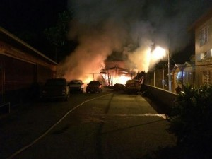 Incendio que redujo a cenizas el hogar de Don Edwin Vicente, en la calle Capestany de Mayaguez. (Foto Bomberos)
