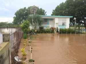 Inundaciones provocadas por las lluvias del jueves en el barrio La Plata de Lajas.