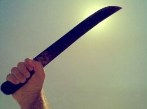 agarrando machete