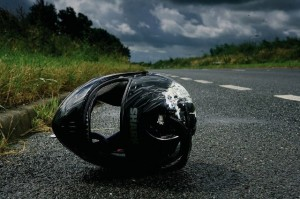 casco motora accidente