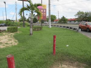 Intersección de la carretera PR-100, con la PR-102, en Cabo Rojo (Foto Julio Víctor Ramirez Torres).