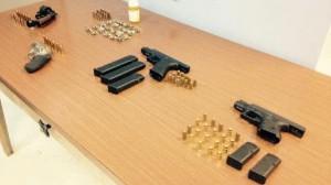 Armas ocupadas en residencial Luis Muñoz Rivera de Guánica (Sumimistrada Policía).
