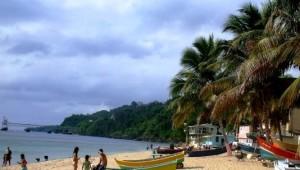 Playa del sector El Tamarindo de Aguadilla (Internet).