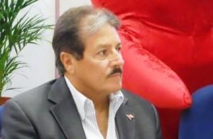 Senador Antonio Fas Alzamora (Foto Facebook).