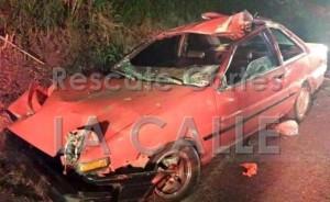 """Así quedó uno de los carros en el accidente """"leve"""" de Añasco (Foto Rescate Cortés)."""