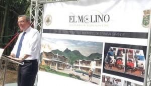 El gobernador García Padilla durante la ceremonia de colocación de la primera piedra en el Hotel El Molino de Sabana Grande (Foto Noticias 24/7).