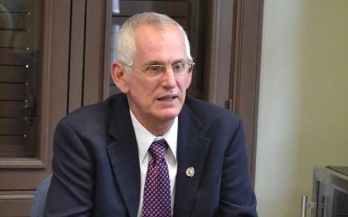 Dr. John Fernández Van Cleve, rector del Recinto Universitario de Mayagüez.