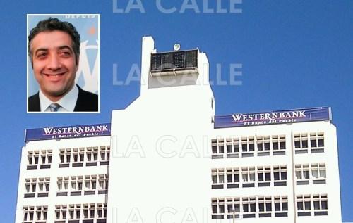 En el recuadro, una foto de Twitter de Jack Kachkar, en lo que fue la sede principal del Westernbank en Mayagüez (Foto LA CALLE Digital).