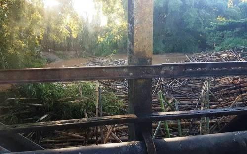 La crecida del Río Culebrinas provocó que se afectara el suministro de agua en Rincón, Moca y Aguada (Foto Jerry Rodríguez).