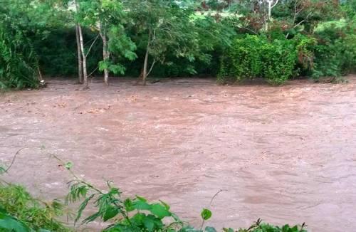 El efecto de las lluvias sobre el Río Guanajibo (Internet).