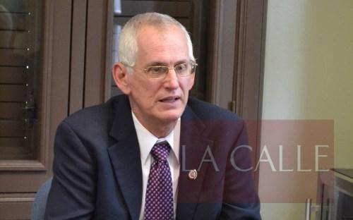 Dr. John Fernández Van Cleve, rector del RUM (Archivo/LA CALLE Digital).