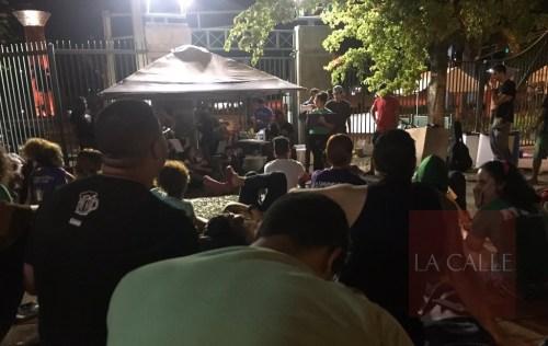 Ambiente nocturno de la huelga en el RUM (Twitter/GCE-RUM).