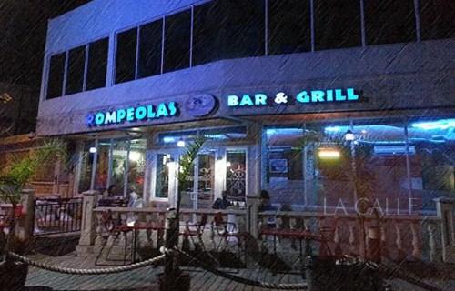 El sujeto que escaló el restaurante Rompeolas fue arrestado (Archivo).