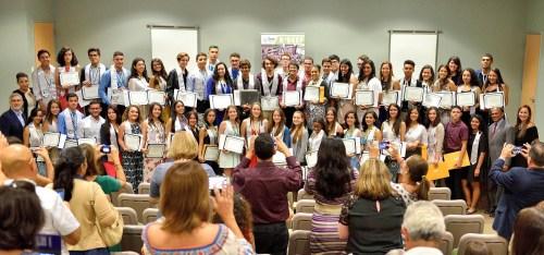 Estudiantes de escuelas superiores públicas y privadas, graduados del programa R2DEEP del RUM (Suministrada/Prensa RUM).