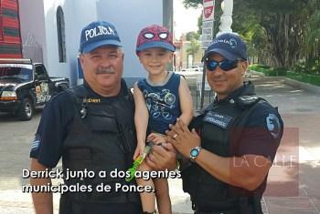 Derrick y agentes municipales de Ponce wm