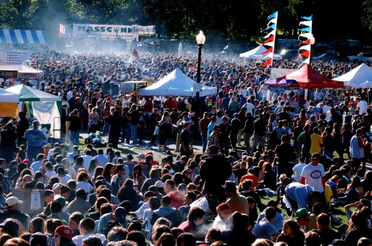 4_20pm_at_NORML_2009_Boston_Freedom_Rally.jpg
