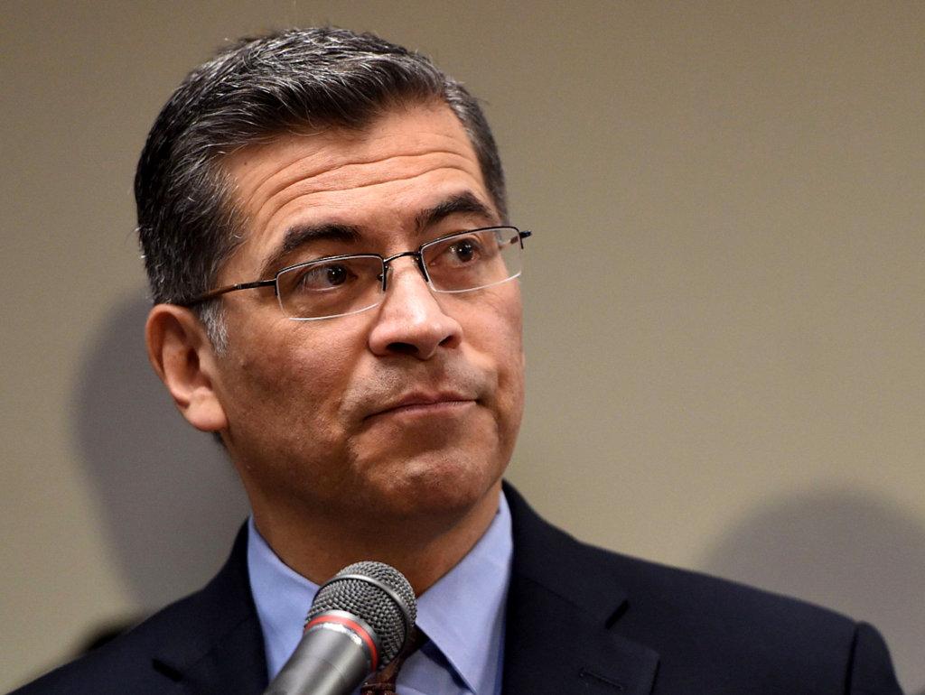 Fiscales de California y Nuevo México piden no permitir que Trump desvíe millones para el muro