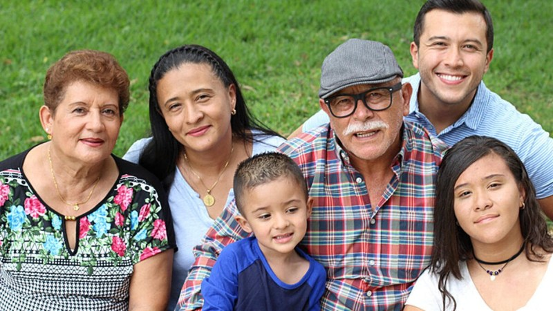 Cómo podemos mejorar la salud mental de los hispanos