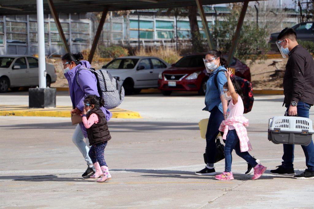 Gobierno estudia cancelar el Título 42 que expulsa a migrantes en la frontera