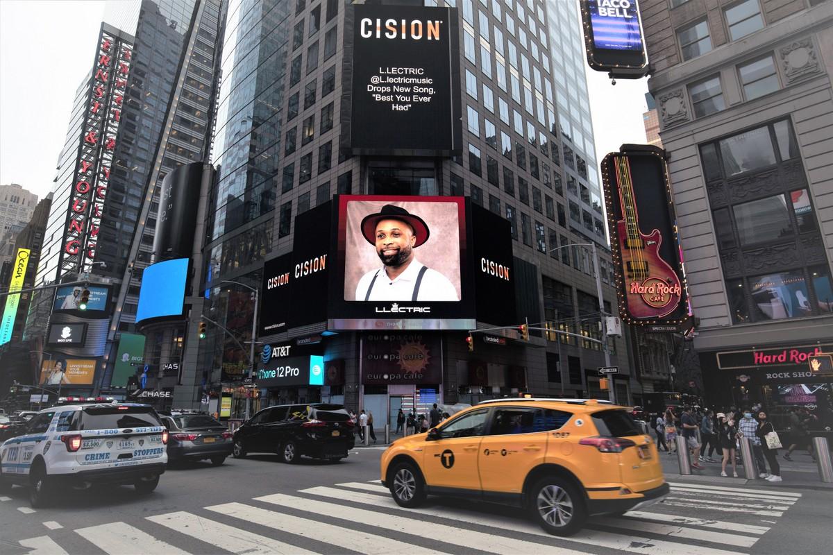 """Éxito rotundo en el lanzamiento de la canción """"Best you ever had"""" de L.Lectric en el Time Square"""
