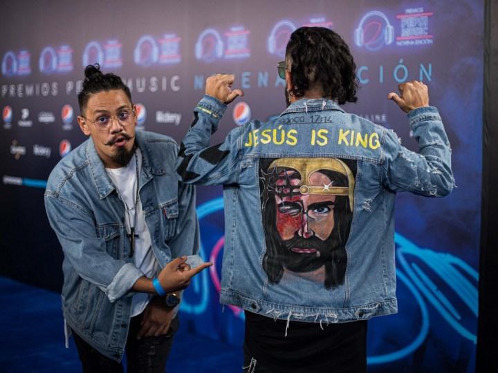 """Jesucristo caminó la alfombra azul de los Pepsi Music con """"JahazielBand"""""""