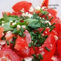 Salade de tomates (feta, basilic, ciboulette)