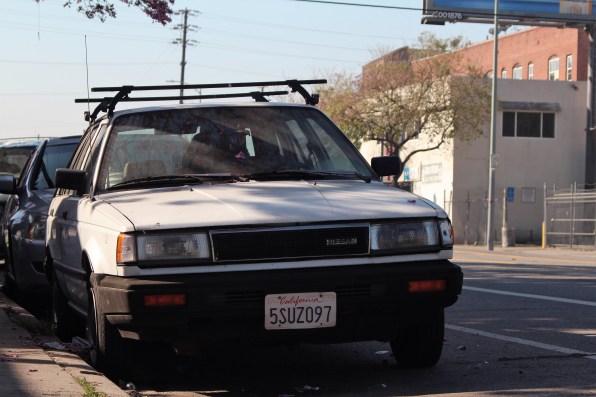 25 - 1989 Nissan Sentra Hatchback (2)