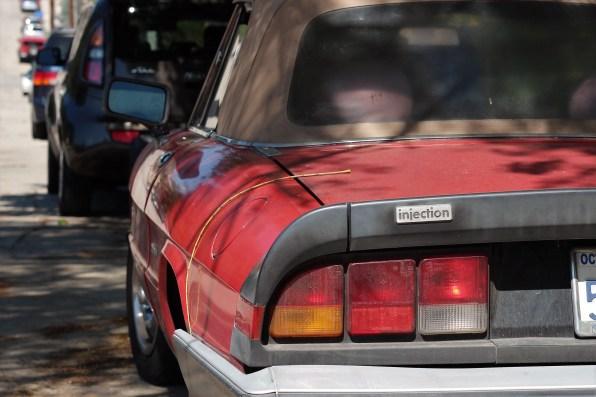 9 - 1986 Alfa Romeo Spider Graduate (2)
