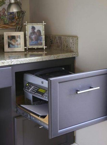 Cómo organizar tu escritorio escondiendo la impresora
