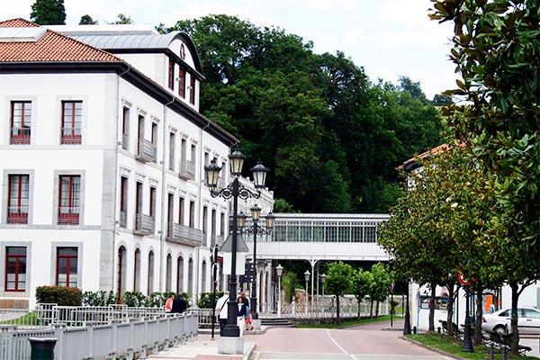 Las Caldas de Oviedo - Balneario Las Caldas en Asturias - La Casa Azul de Las Caldas