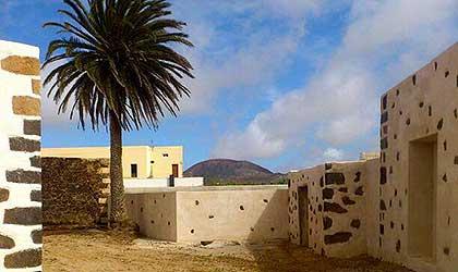 Ruta de los Coroneles un paseo por la historia de La Oliva