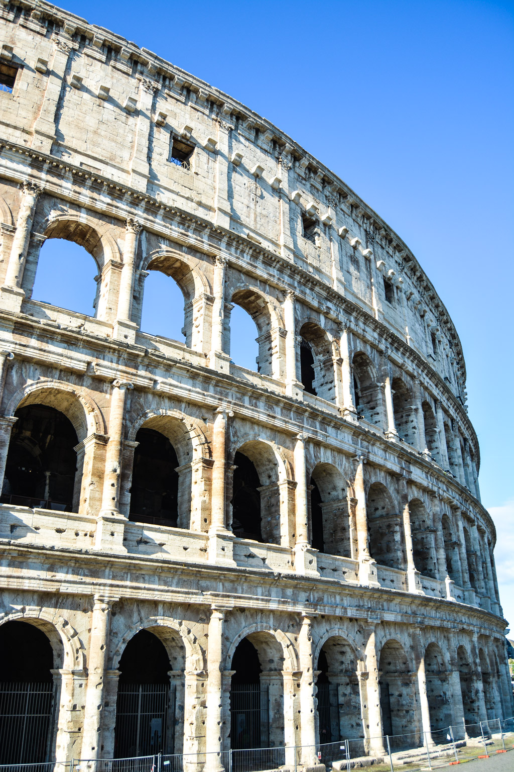 the best way to see the colosseum in rome booking tips