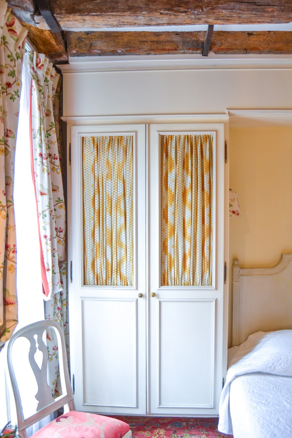 Hotel Caron de Beaumarchais in Paris - France Travel - @lacegraceblog1