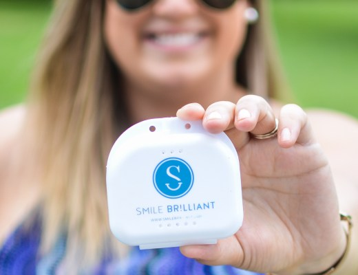 411 on teeth whitening with Smile Brilliant - @lacegraceblog