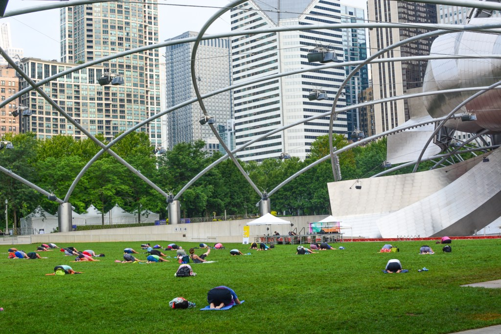 Morning in Millennium Park - Chicago Travel - @lacegraceblog1