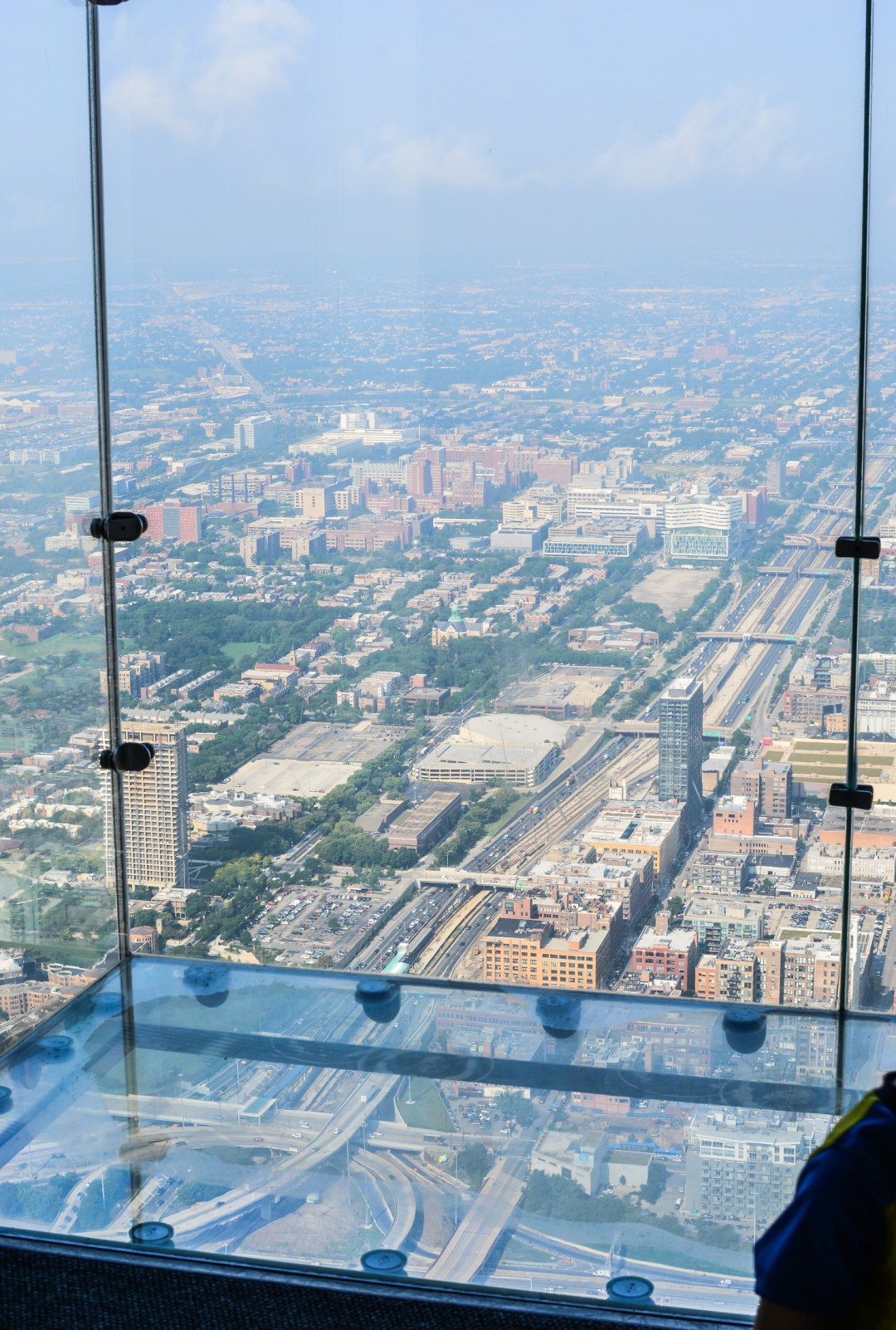 On the Ledge at Willis Tower Chicago - @lacegraceblog1
