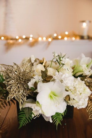 lace and locks, holiday table setting, floral arrangement tutorial, diy flowers, diy holiday flowers, flowers by helen, lace and locks home