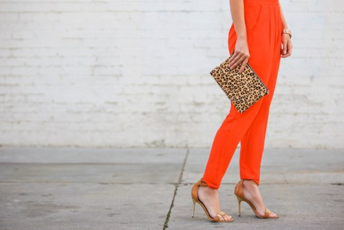 lulus fashion, red harem pants, leopard clutch, bold colors, pink and red fashion, petite fashion blog, fashionista, affordable fashion, hot fashion blogger, lace and locks, style blog, spring fashion, los angeles fashion blogger