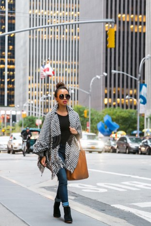 fashion blogger, petite fashion blog, lace and locks, los angeles fashion blogger, morning lavender, fall cape, houndstooth cape, nyc streetstyle
