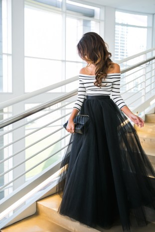 petite fashion blog, lace and locks, los angeles fashion blogger, valentine day outfit, space 46 boutique tulle, black tulle maxi skirt, romantic fashion, streetstyle, engagement outfit ideas