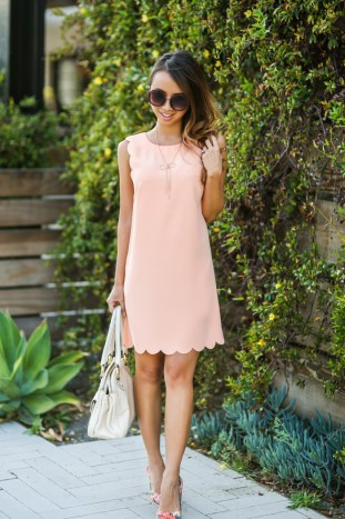 petite fashion blog, lace and locks, los angeles fashion blogger, spring fashion, scallop dress, urban outfitters dress, spring dress, floral pumps